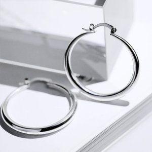 *NEW 18K White Gold 1.5'' Round Hoop Earrings